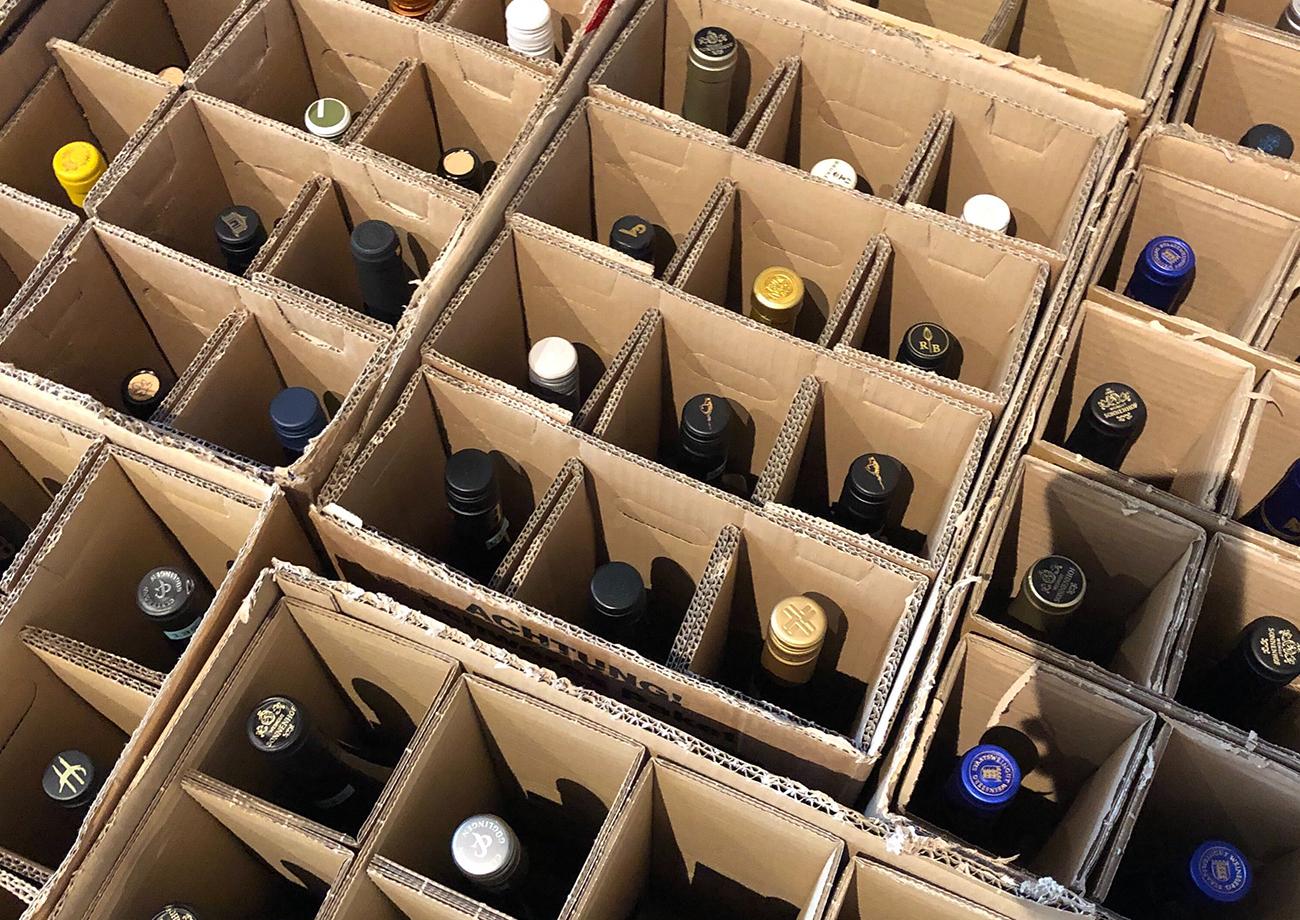 Weinflaschen verpackt